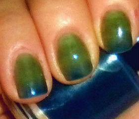 Color Changing Nail Polish - Mood Nail Polish - OCEAN - Custom Blended Polish/Lacquer - 0.5 oz Full Sized Bottle